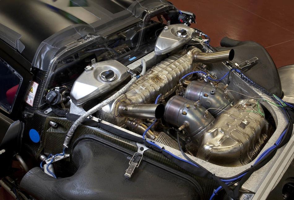 partly covered in modified porsche - Porsche 918 Spyder Engine