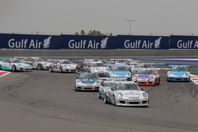 Start Rennen 2 Porsche Mobil 1 Supercup Bahrain 2012