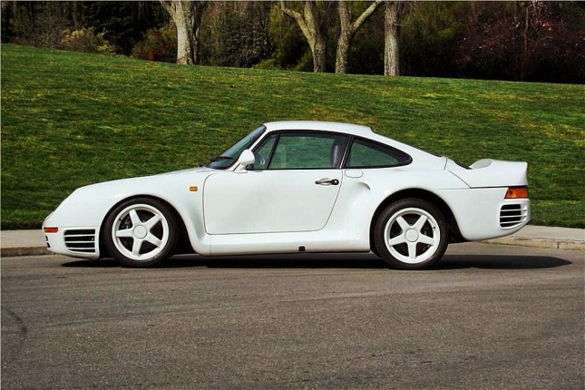 The Porsche 959 is one of the most memorable super sports cars of the 1980s. (Photo: Barrett-Jackson)
