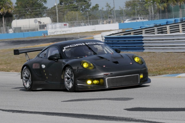Test drive Porsche 911 RSR