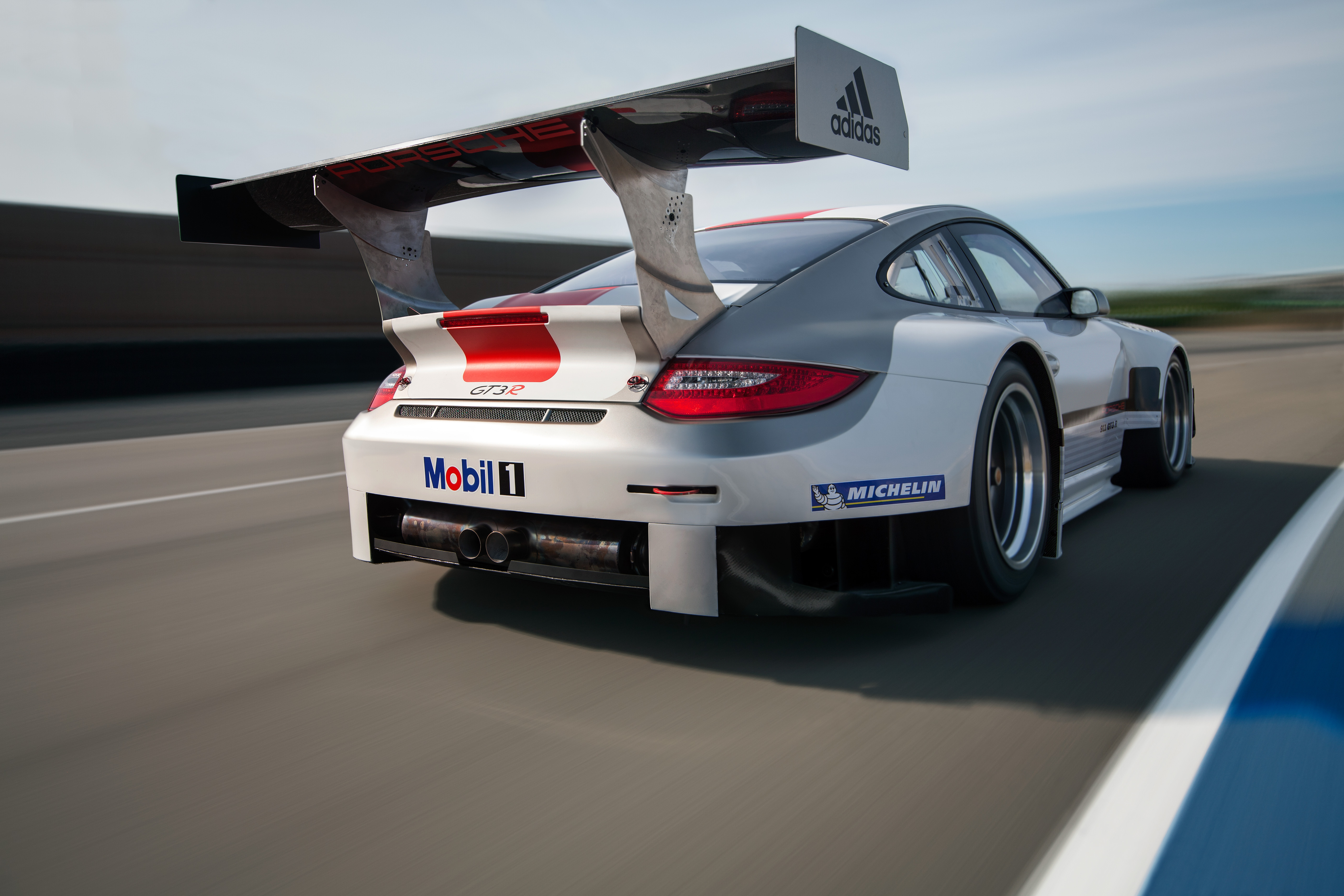 porsche 911 gt3 r extensive changes for the 2013 season porsche everyday dedeporsches blog. Black Bedroom Furniture Sets. Home Design Ideas