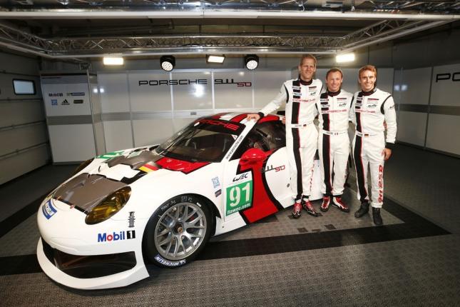 Porsche 911 RSR , Porsche AG Team Manthey: Joerg Bergmeister, Timo Bernhard, Patrick Pilet