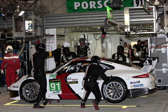 Porsche 911 RSR, Porsche AG Team Manthey- Jörg Bergmeister, Patrick Pilet, Timo Bernhard - M13_1364
