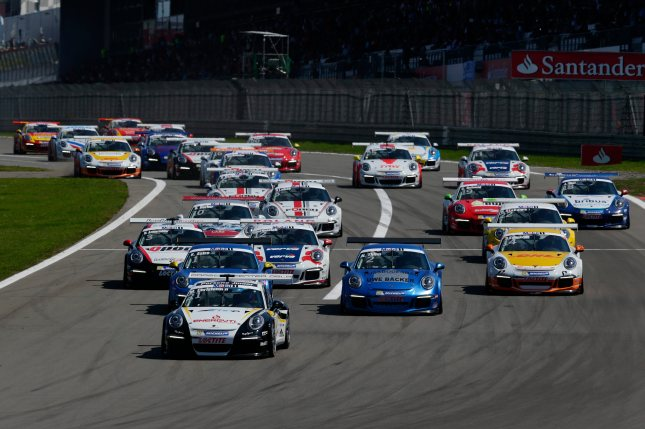 Start: Porsche Mobil 1 Supercup Deutschland 2013