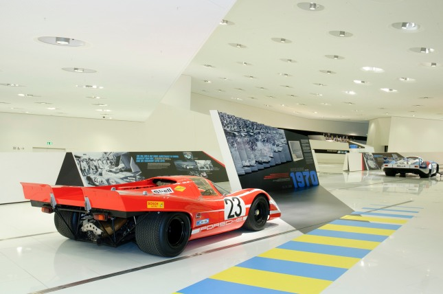 On the weekend of the race, June 14th to 15th, visitors can follow the race live as part of a public viewing in the Porsche Museum (free entrance then).