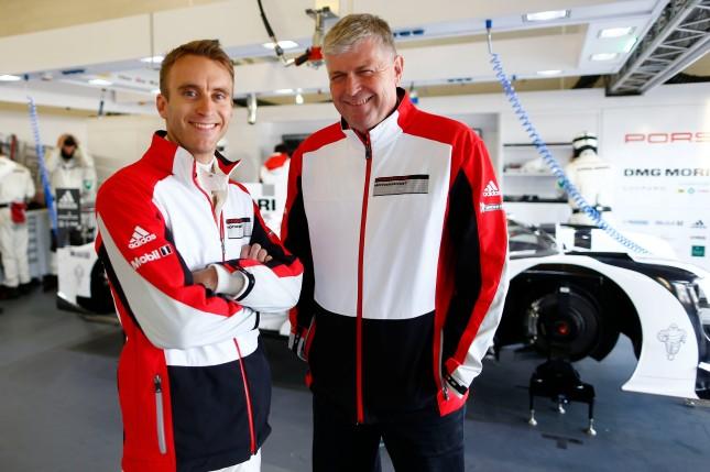 Porsche Team: Timo Bernhard (l), Wolfgang Hatz (Vorstand Forschung und Entwicklung Porsche AG)