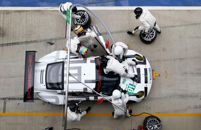 Porsche 911 RSR, Porsche Team Manthey: Patrick Pilet, Joerg Bergmeister, Nick Tandy