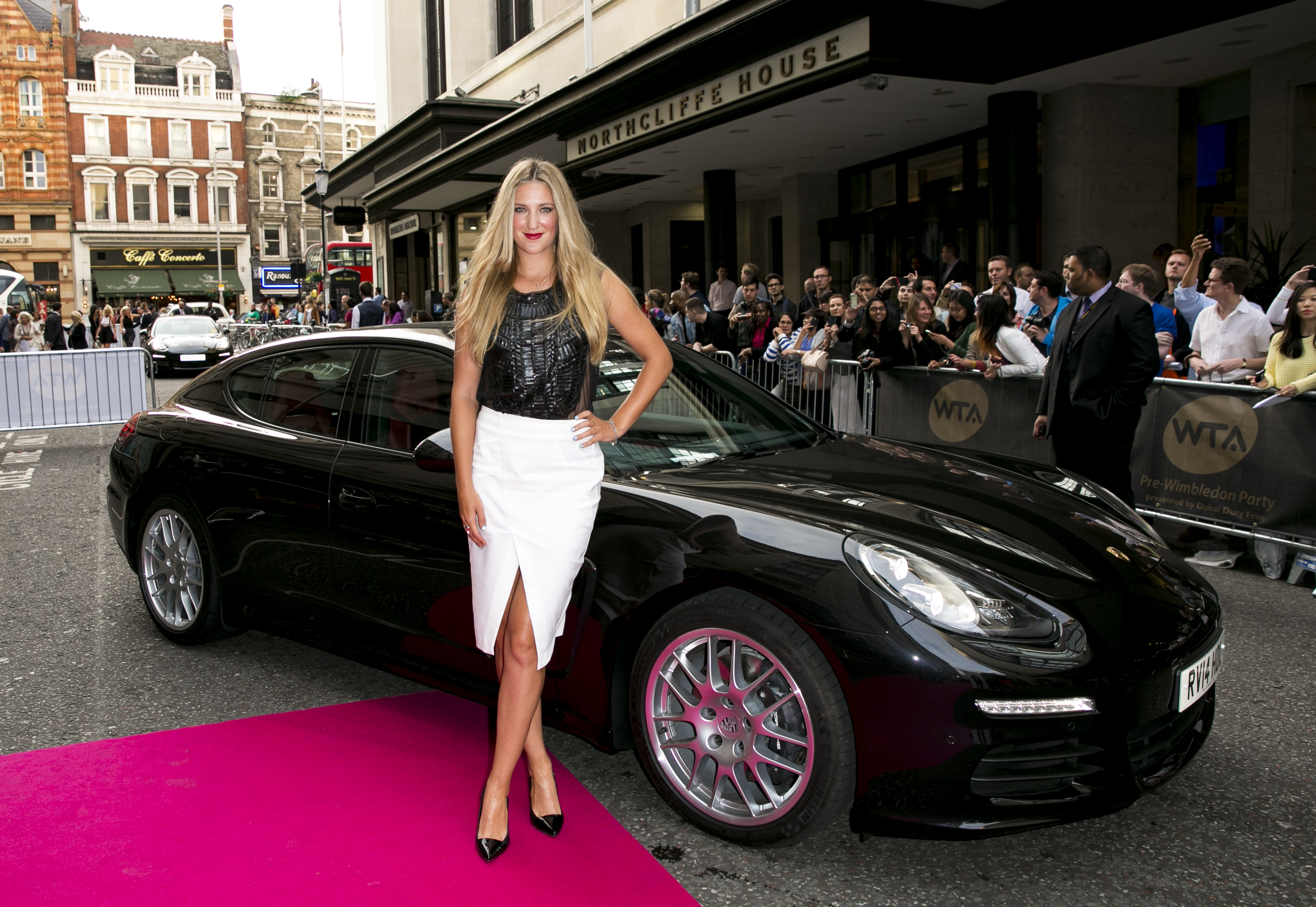 Maria Sharapova Driven To Pre Wimbledon Party In A Porsche