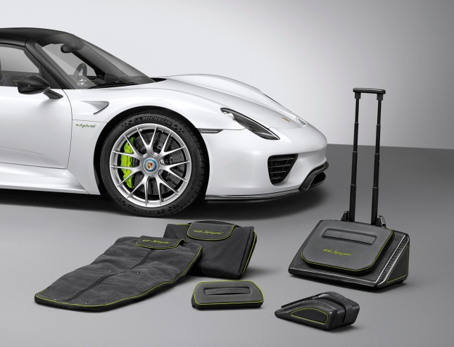 918 Spyder luggage set
