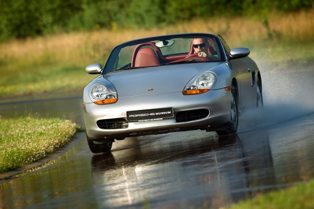Tyre tests for classic Porsche cars: first generation Boxster (1996)