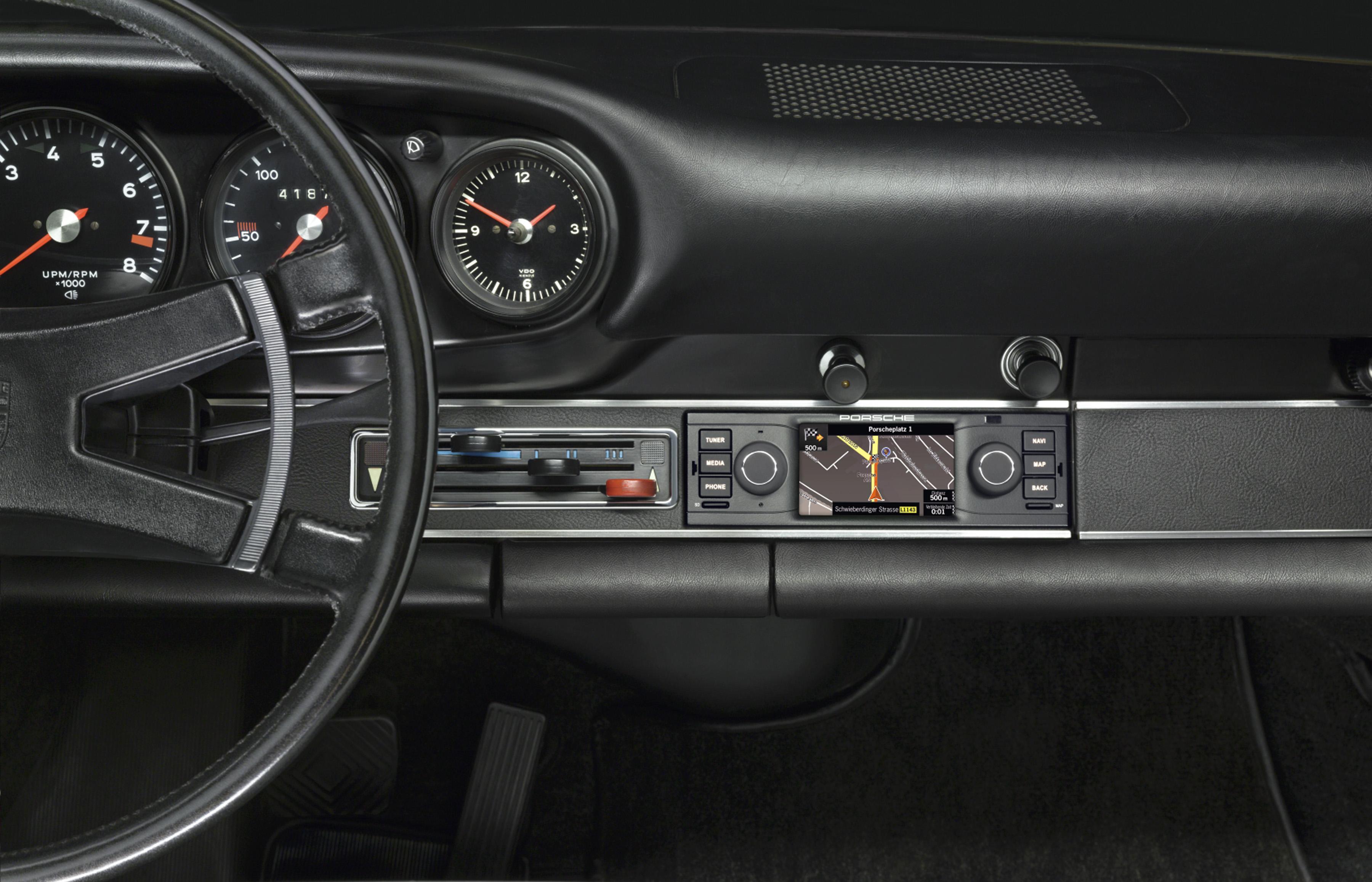 New porsche classic radio navigation system