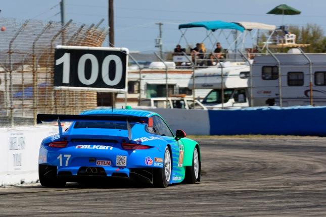 Porsche 911 RSR (#17), Team Falken Tire: Wolf Henzler, Patrick Long, Bryan Sellers