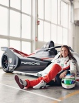 Simona De Silvestro and Thomas Preining join the Porsche Formula E project